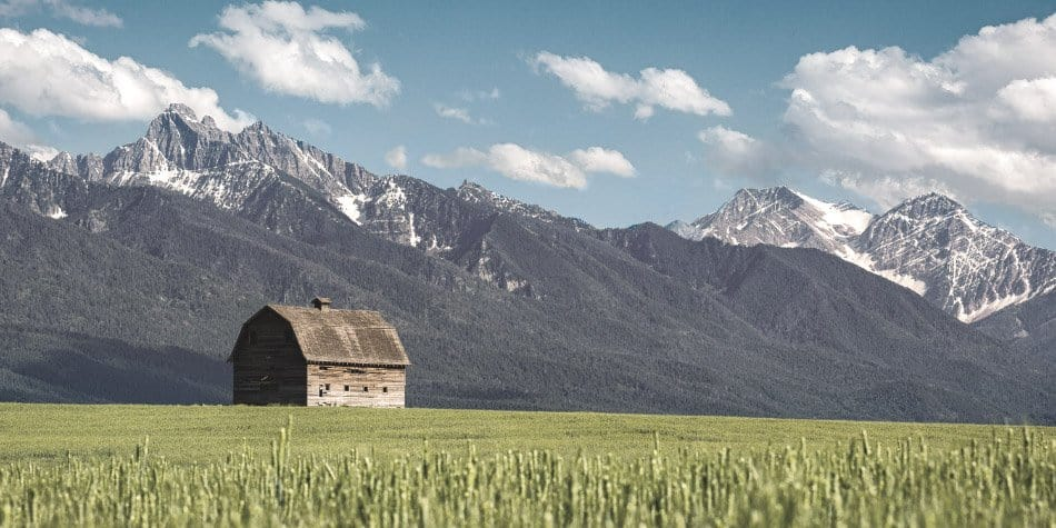 barn in pablo montana with mountains in background