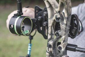 closeup of single pin bow sight