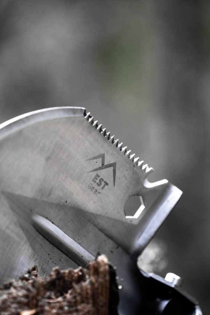 survival shovel serrated edge detail