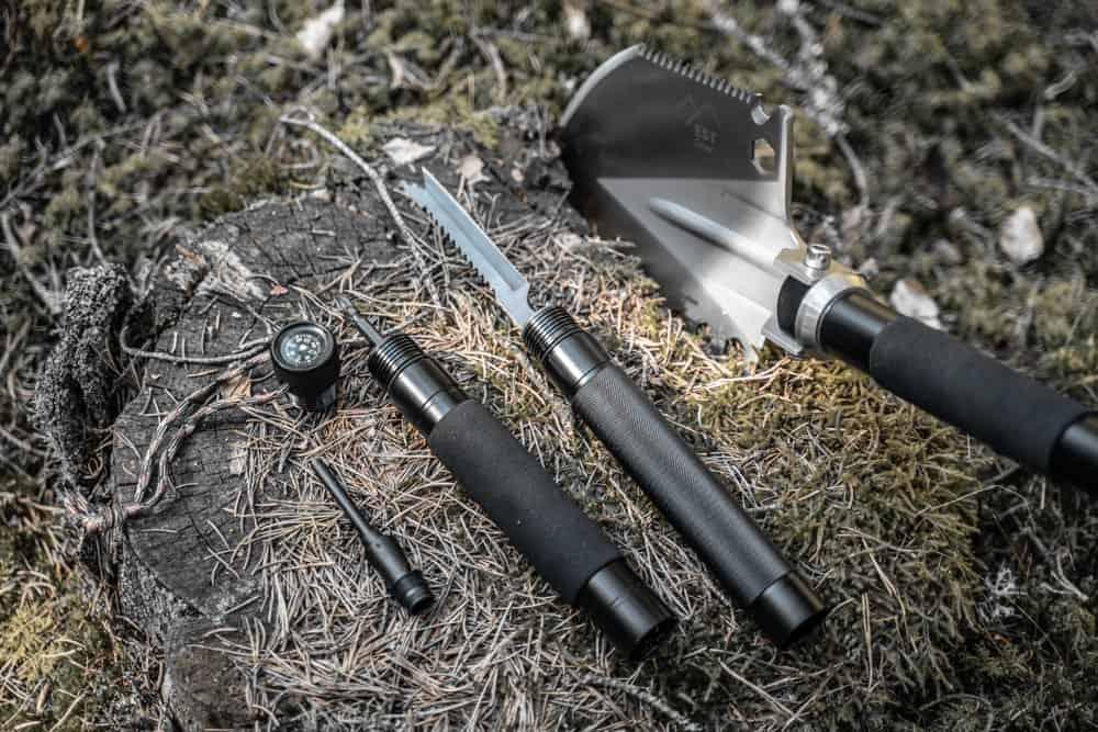survival shovel handle detail